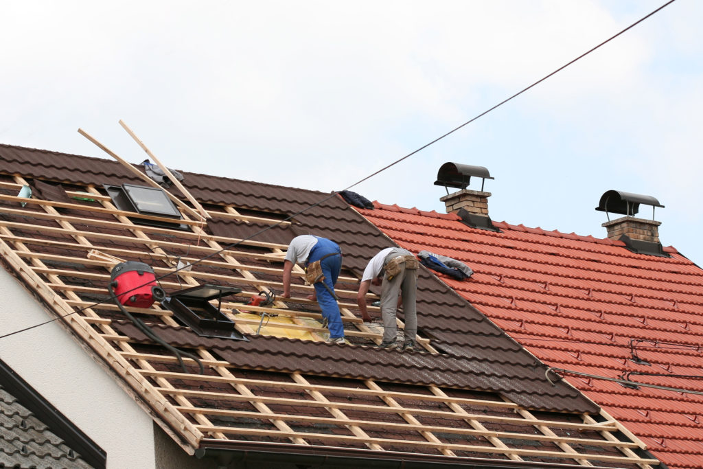 Get To Work With A Good Roofing Contractor