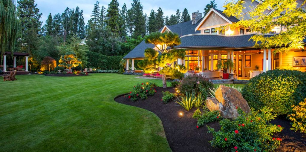 Landscaping Tips to Sell Your Home Easily